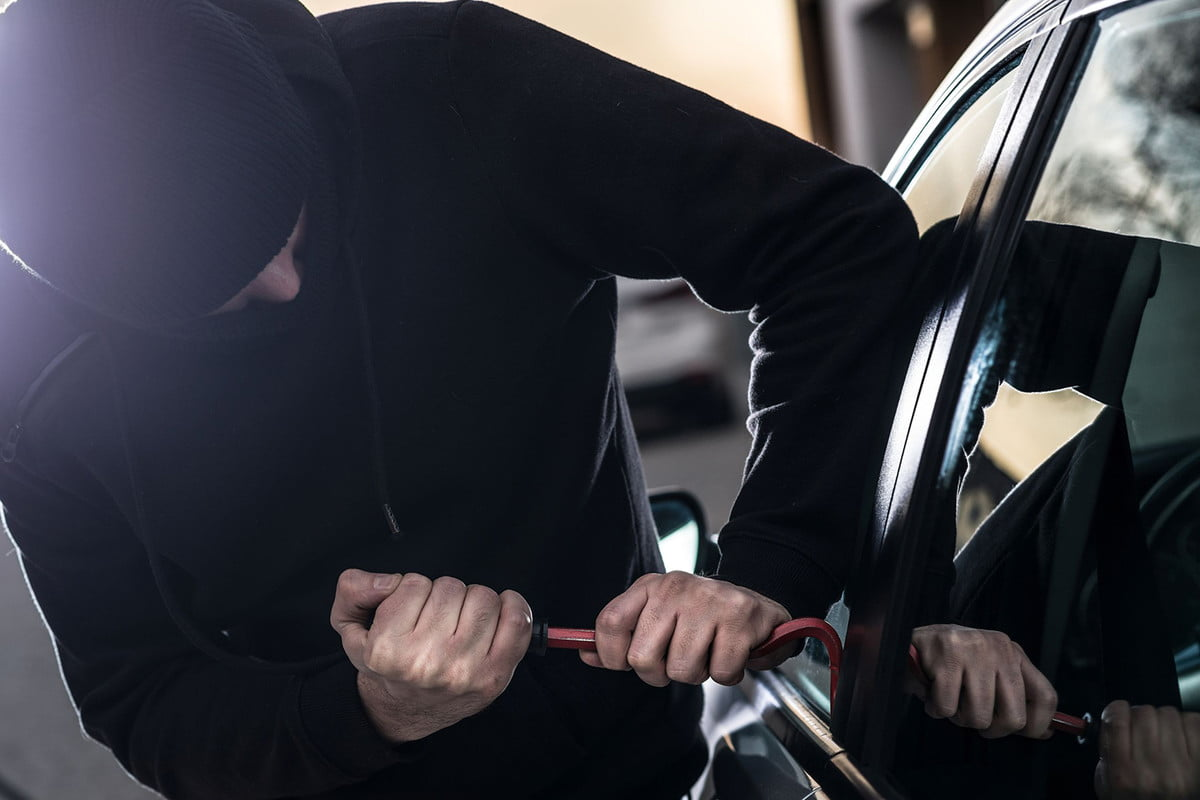 car security technology cannot protect your from thieves cartheft head  rf