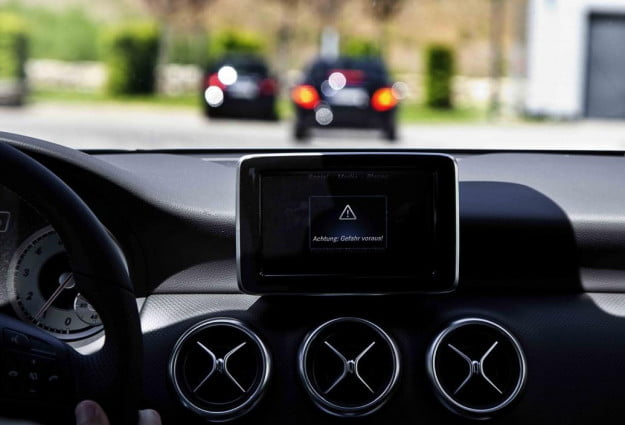 Mercedes-Benz Car-to-X