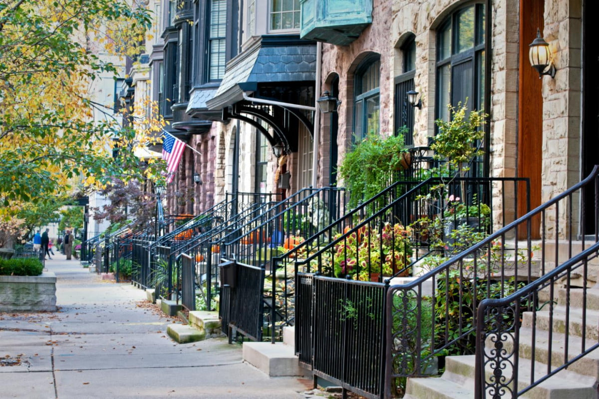 www digitaltrends comhomerealtor com and airbnb live neighborhood buying house chicago