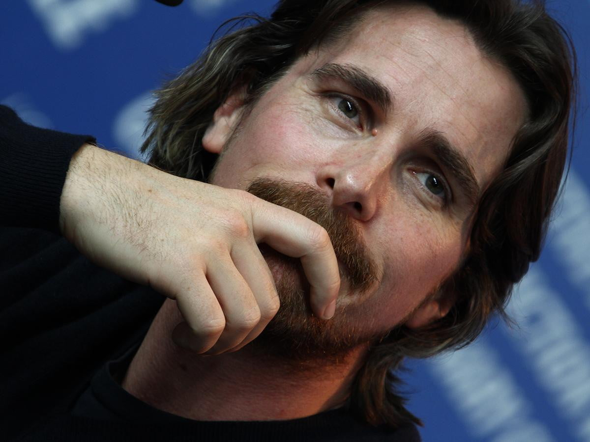 fincher wants christian bale steve jobs