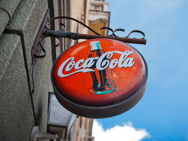 coca cola adding wi fi vending machines