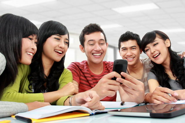 millennials attached to phones college students texting smartphones