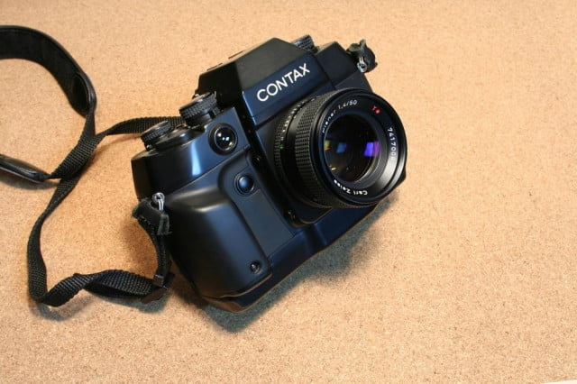 Contax_ax_with_planar1,4_50mm_jp