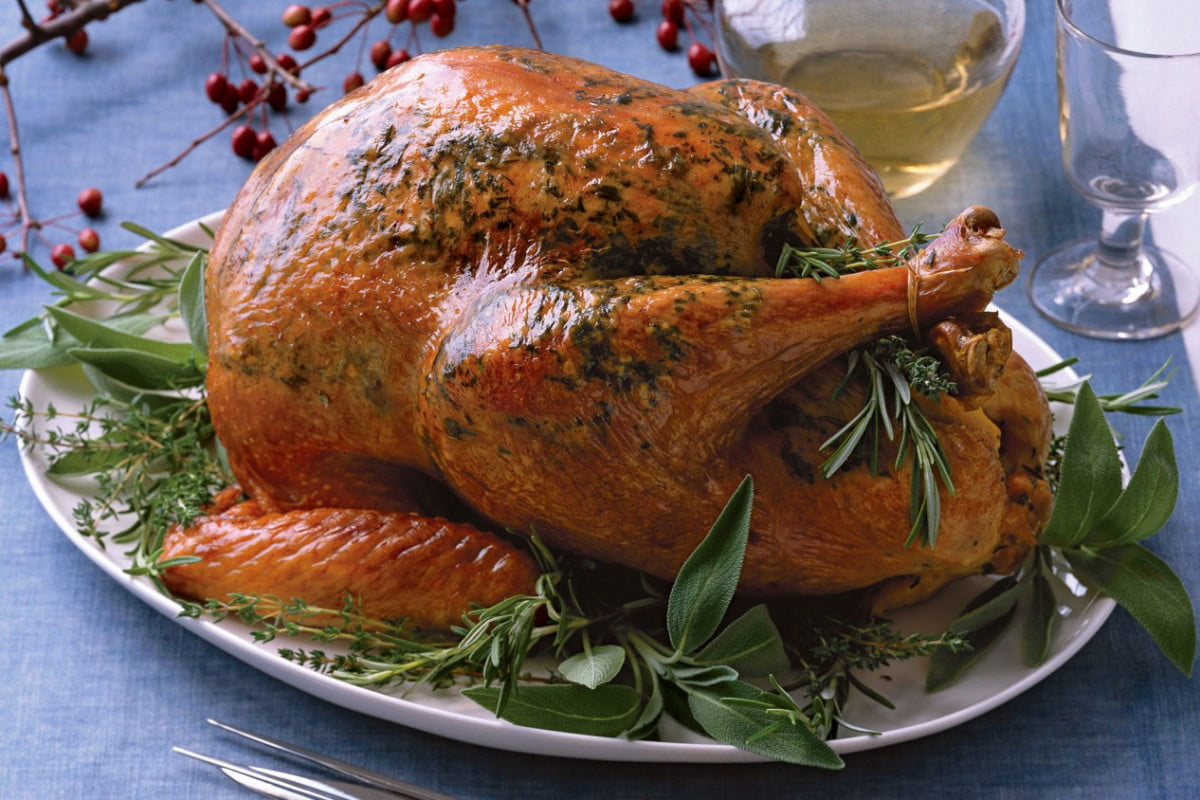 can you make a whole turkey in slow cooker cook