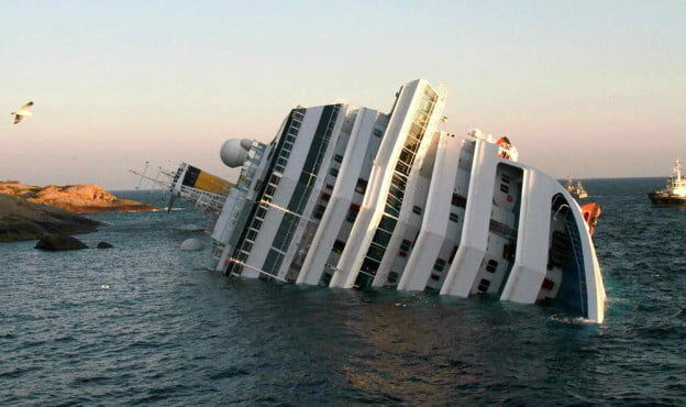 costa-concordia-luxury-cruise-ship