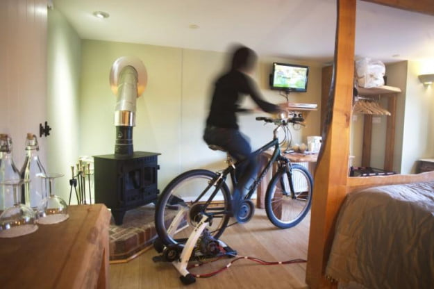 UK Cottage Lodge pedal to power LCD TV