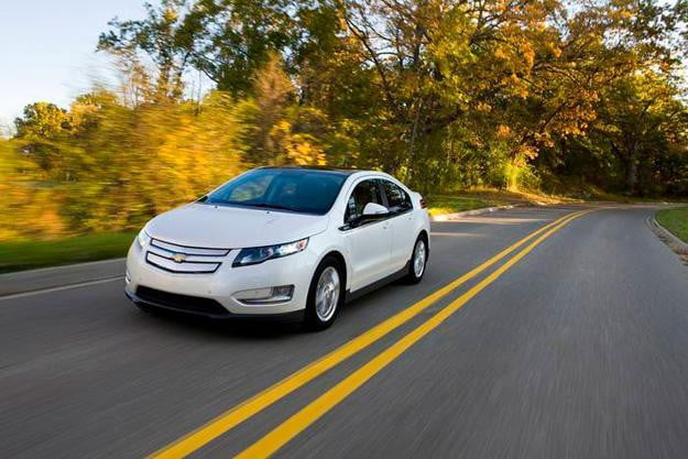 Covert ops: 2013 Chevy Volt quietly makes its way to dealerships