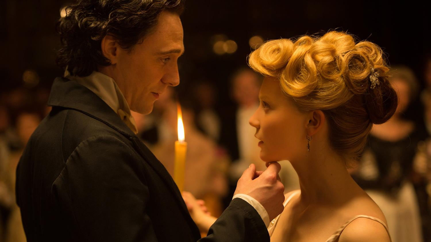 http://icdn8.digitaltrends.com/image/crimson-peak-10-1500x844.jpg