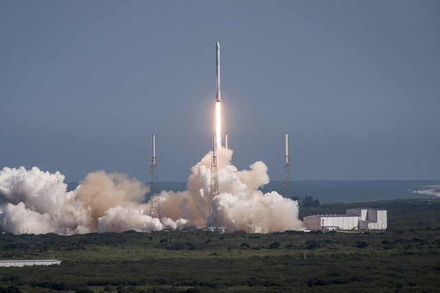 spacex to attempt land based rocket landing this month crs  launch a