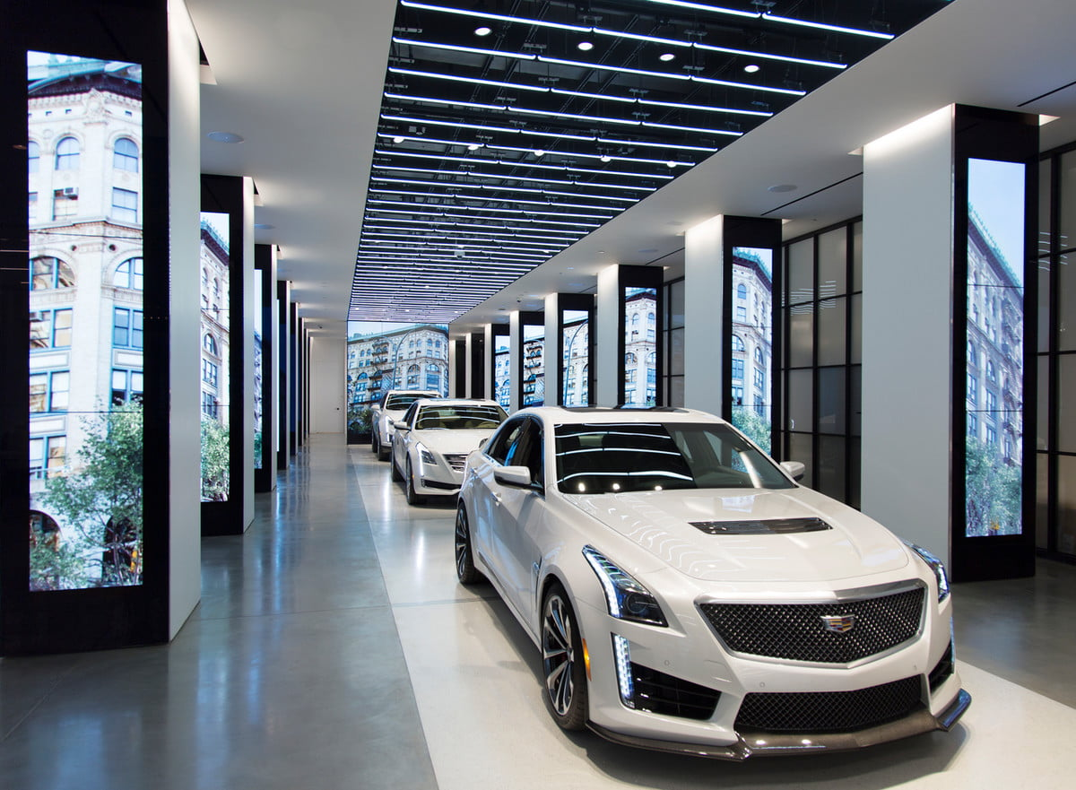 cadillac to add virtual reality showrooms dealerships