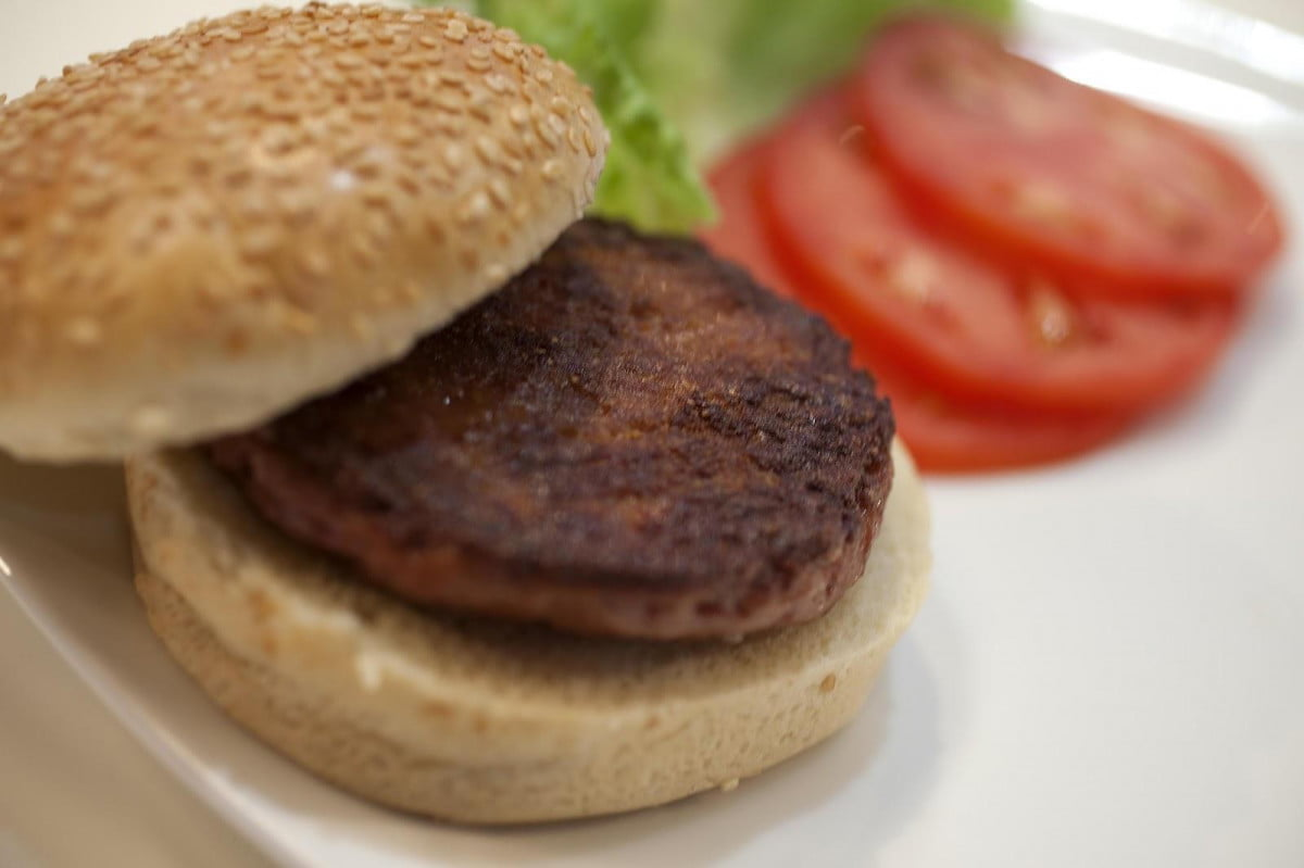 unsurprisingly  k lab grown burger tastes horrible heres what to eat instead cultured beef