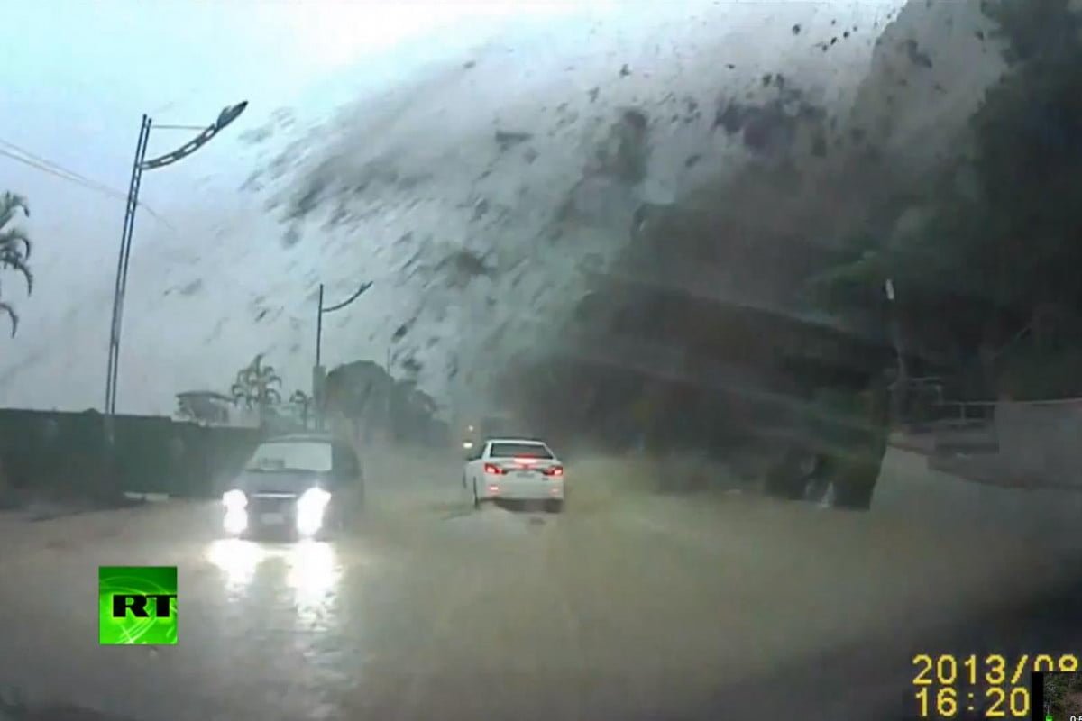 dash cam captures drivers lucky escape boulder