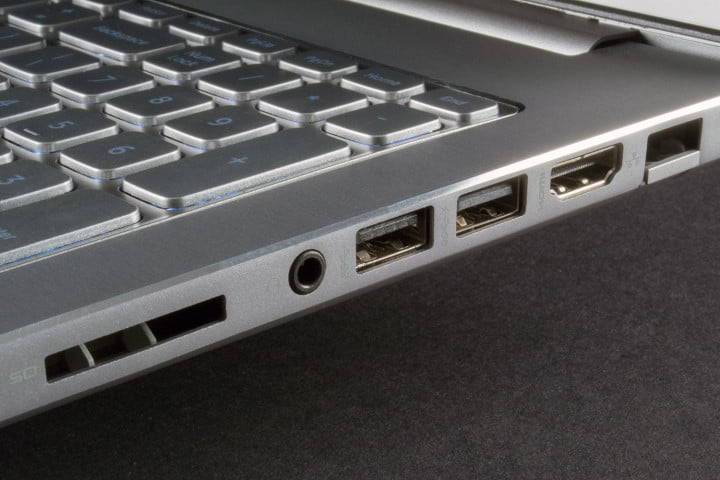 Dell Inspiron 15 7000 review review side ports
