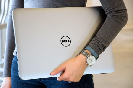Dell M3800 Precision in hand