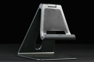 Dell XPS 18 Portable All_in_One Desktop Powered Stand macro