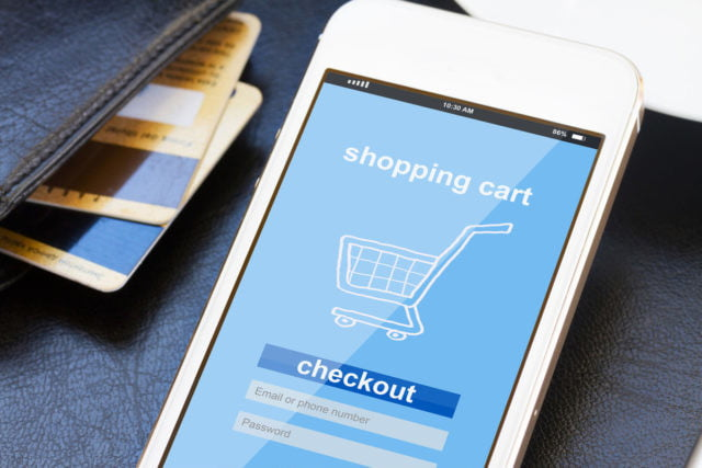 tres mil millones dolares cyber monday  mobile shopping concept x