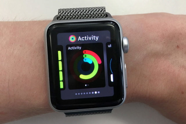 puedes confiar en fitbit apple watch watchos  beta hands on x