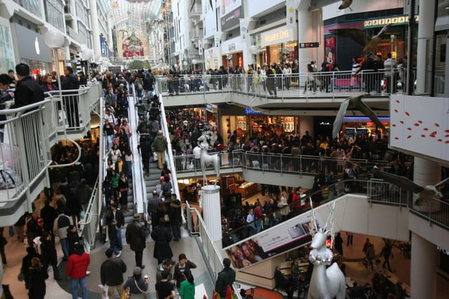 opinion ojala que muera el viernes negro boxing day at the toronto eaton centre