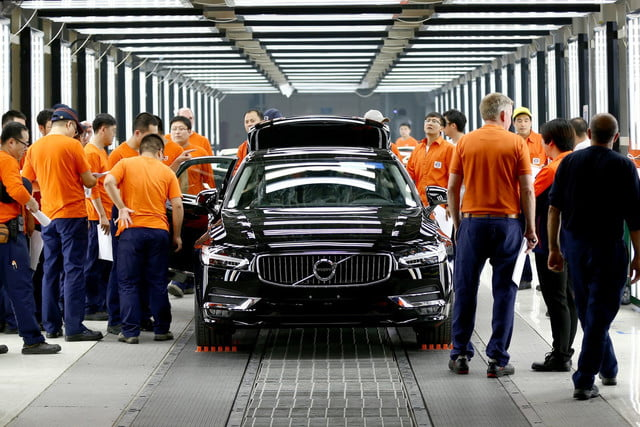 volvo construira mas automoviles china pre production of the new s  in daqing manufacturing plant x
