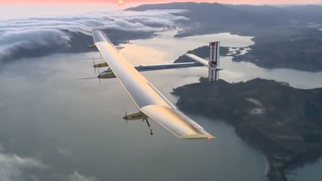 despega el solar impulse  primer avion que intenta dar la vuelta al mundo a