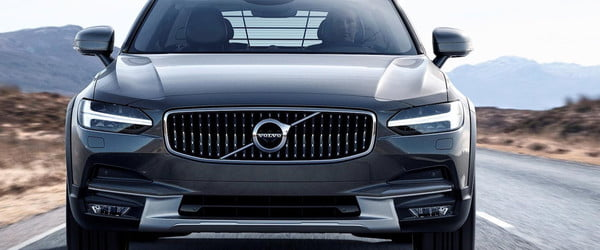volvo v  cross country feat