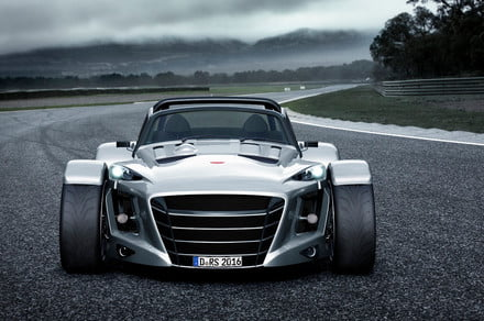 This Dutch roadster blurs the