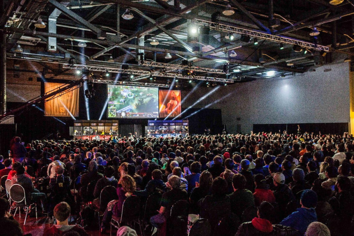 dota  finally free sign restrictions crowd during the mlg final day photo by enrique espinoza