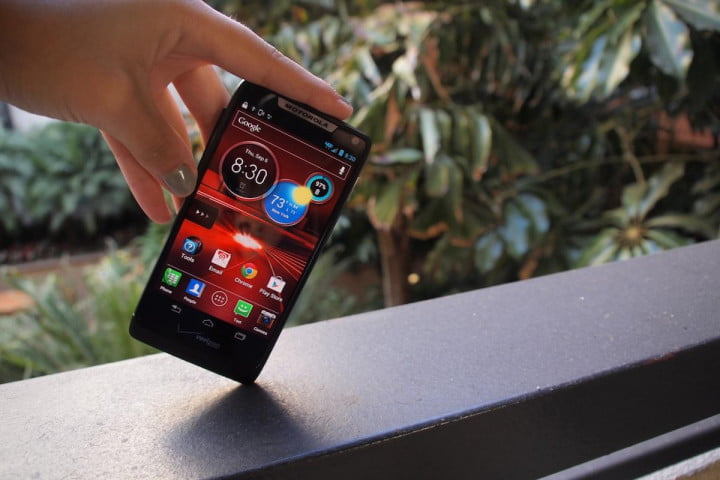 motorola razr m first impressions maximized screen real estate at its finest droid