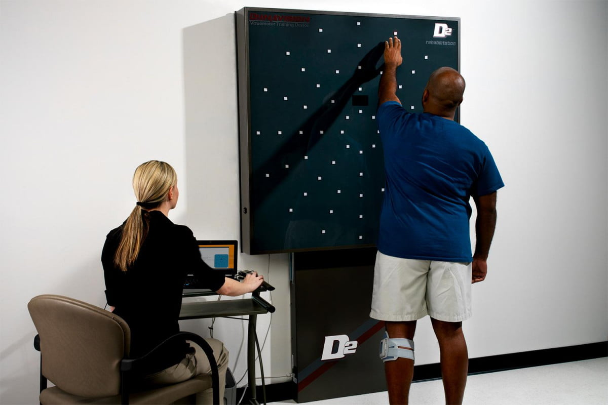 how tiny little lights helped the university of cincinnati to a concussion free fall football camp dynavision d  demo