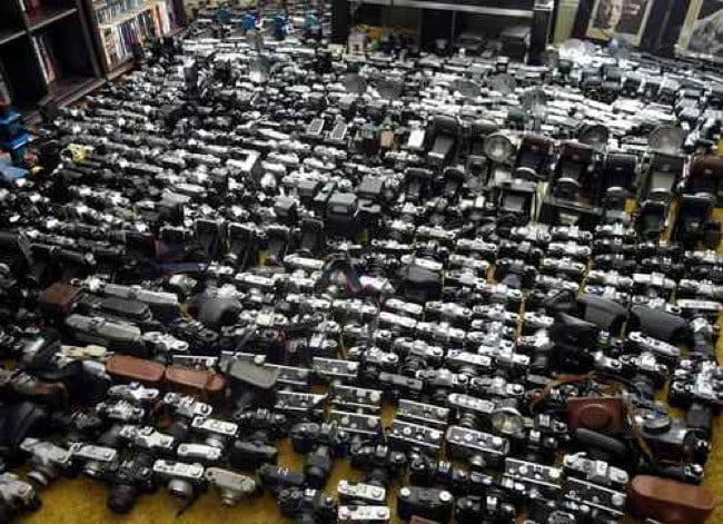 ebay-vintage-camera-collector-auctions-off-1000-cameras-1