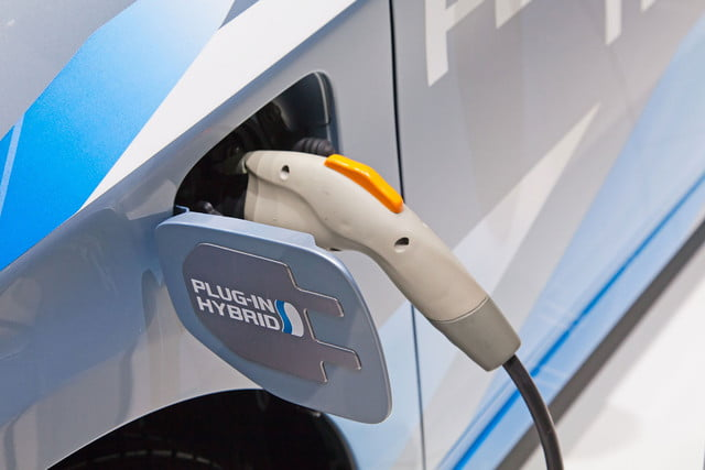 federal support ev charging stations electric car fill up