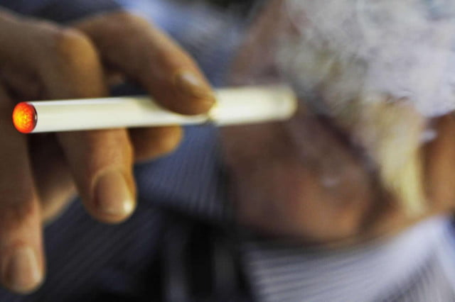 vaping banned on planes electronic cigarette