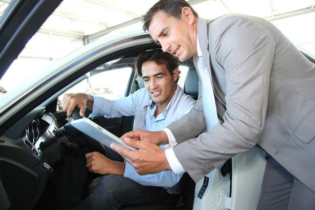 Facebook fail? Study finds salespeople, not social media, influence car buyers the most