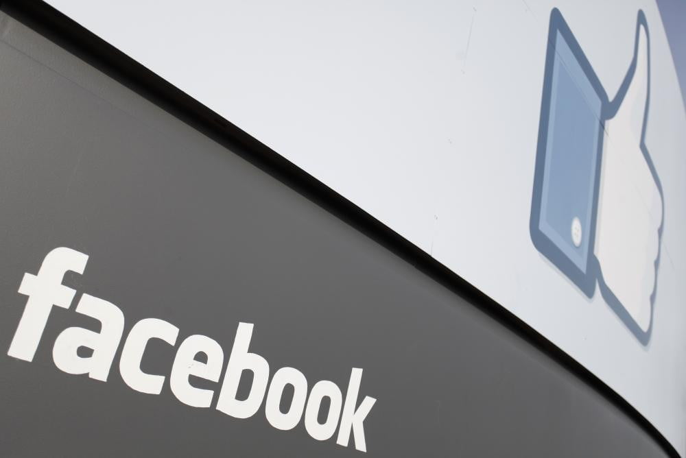 facebook could affect your credit score thumbs up