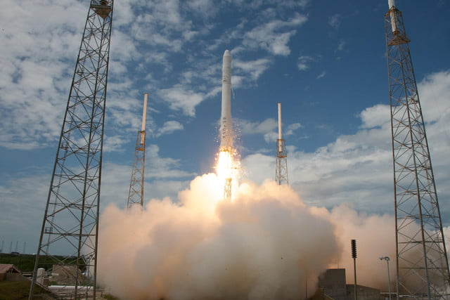spacex closer to resuming rocket launches falcon  flight liftoff l