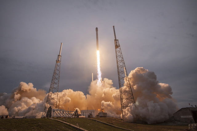 Falcon9Launch1