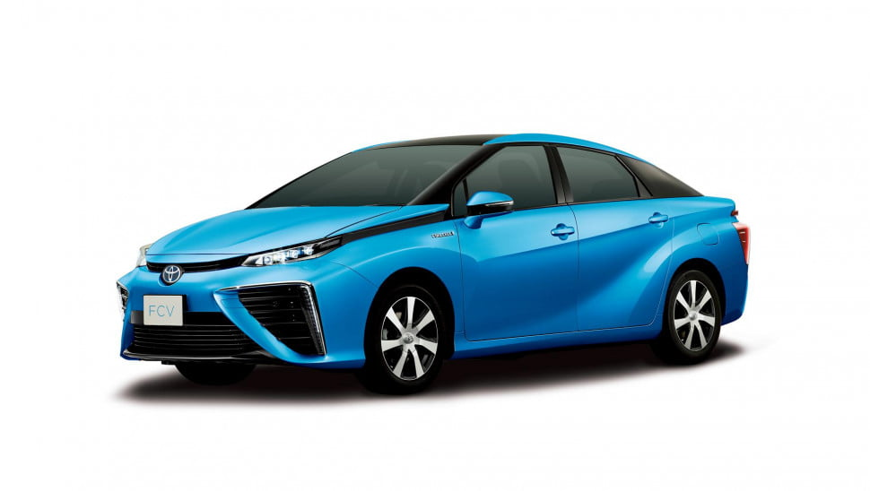 toyotas first hydrogen car delivery america will contest giveaway toyota fcv