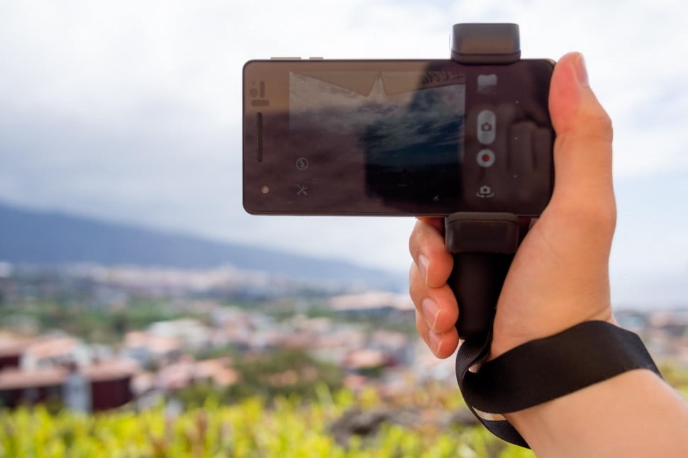 The Shoulderpod S1 is an accessory smartphone grip for photography and videography.