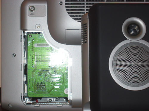 The FM tuner card can be accessed via a rear panel