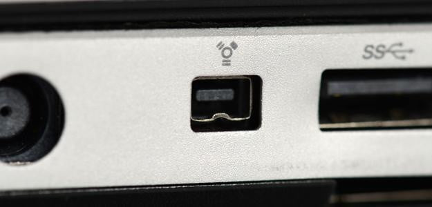 FireWire mini port PC connection