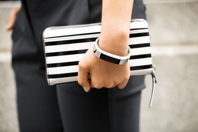 judge rules fitbit did not steal from jawbone alta thumb