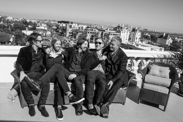 foo fighters release new ep for paris victims audiophile