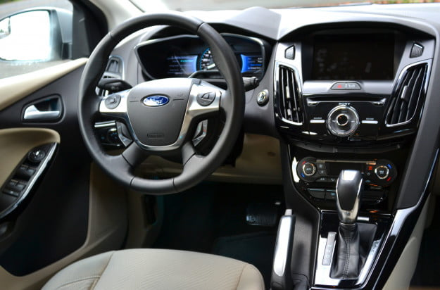 ford electric focus front console
