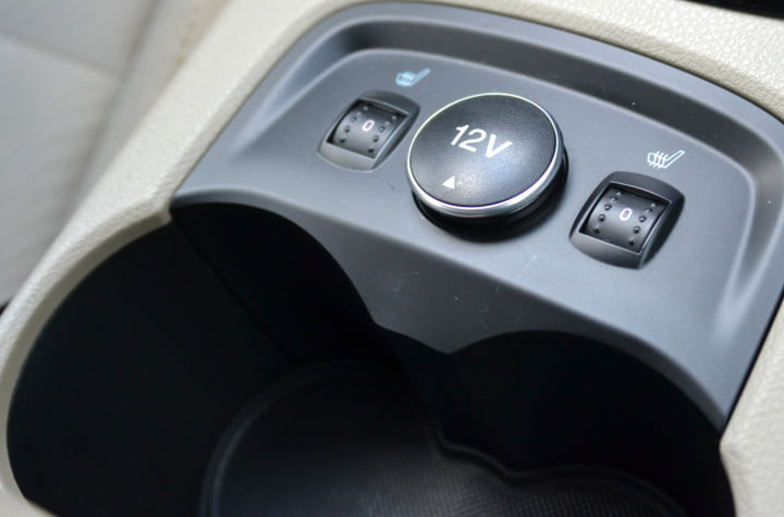 ford focus electric review heated seats cup holders