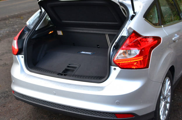 ford electric focus trunk