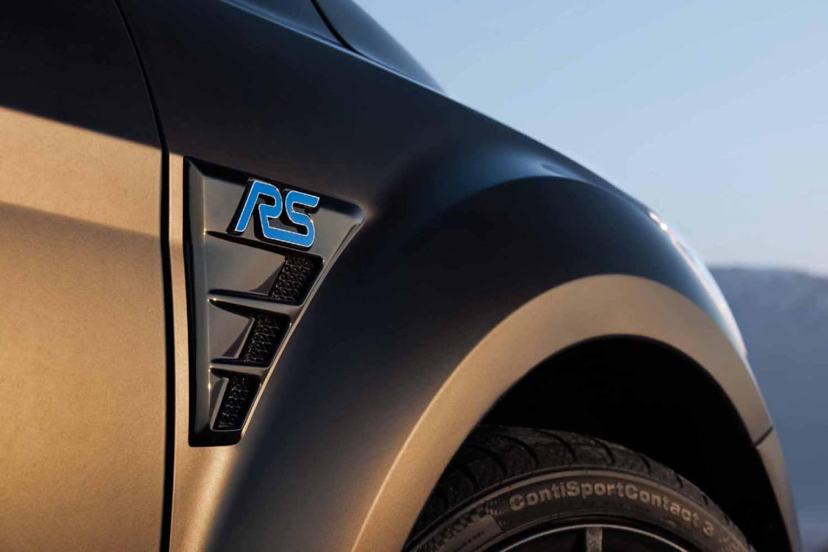 ford focus rs will lead  model performance vehicle blitz