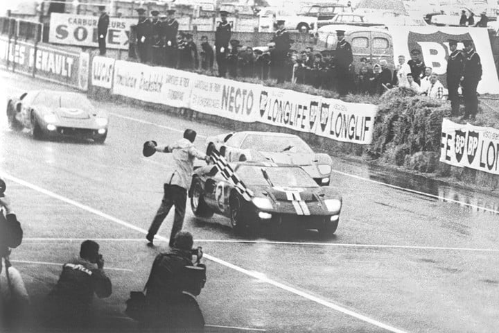 Ford GT40 wins Le Mans 1966