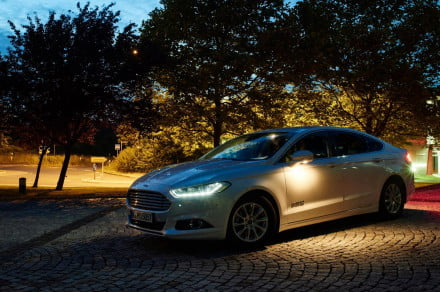 Ford Fusion Hybrid with Camera-based Advanced Front Lighting System