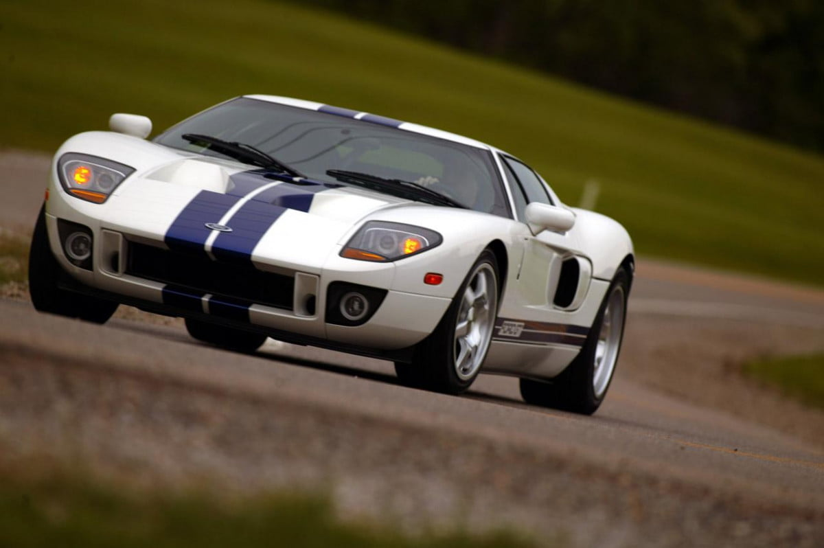 fords new supercar engine rumors detroit auto show  ford gt