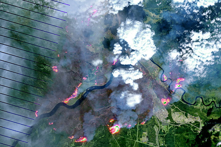 A NASA Earth Observatory photo of the Fort McMurray fire